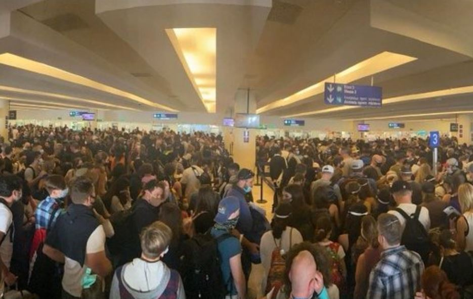 Cancun Airport Adds More Immigration Officers To Keep Up With Demand