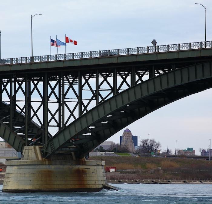 Peace Bridge, US-Canada border