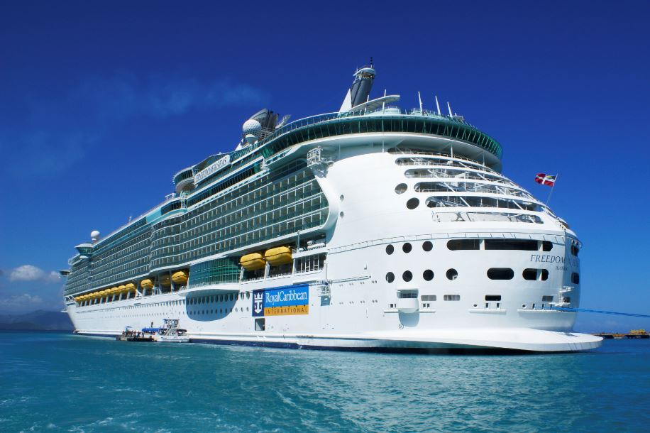 Royal Caribbean Won't Cancel Cruises Depsite Canada's Ban