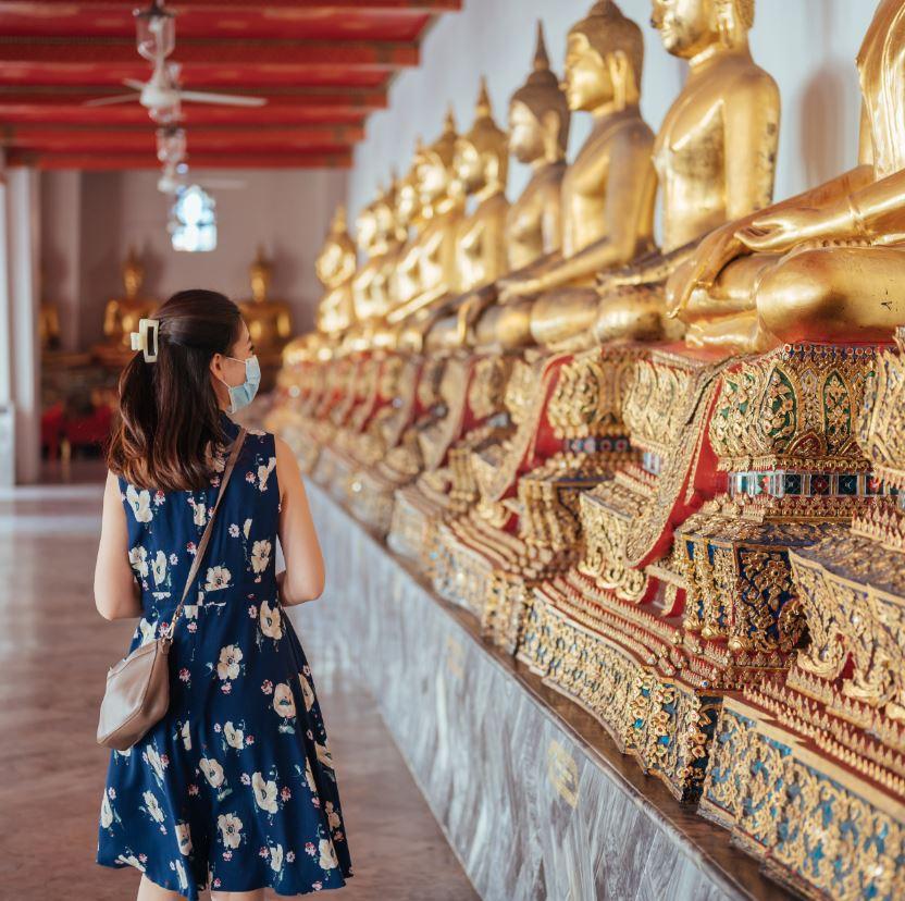 Tourist-Mask-Temple-Thailand