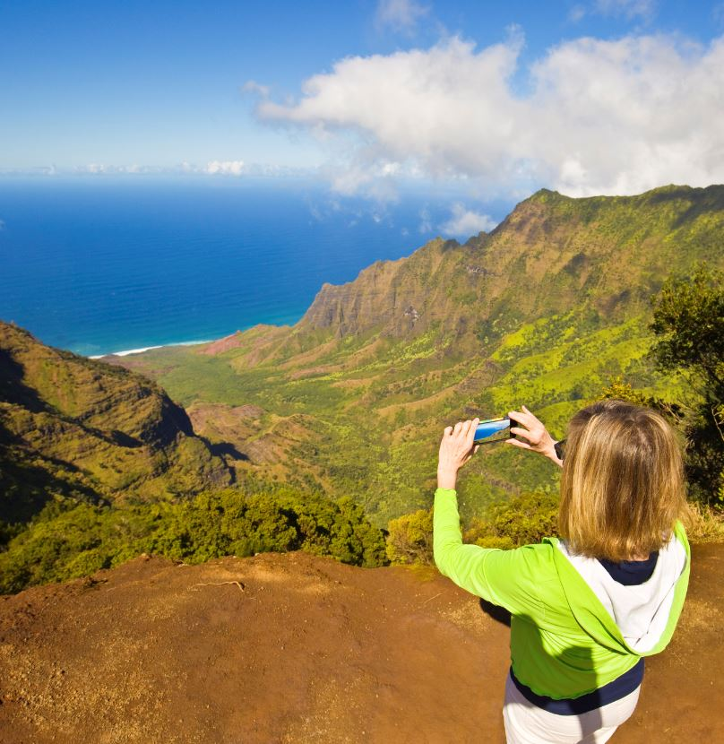 C:\Users\coach\Desktop\Tourist in hawaii hiking.jpg