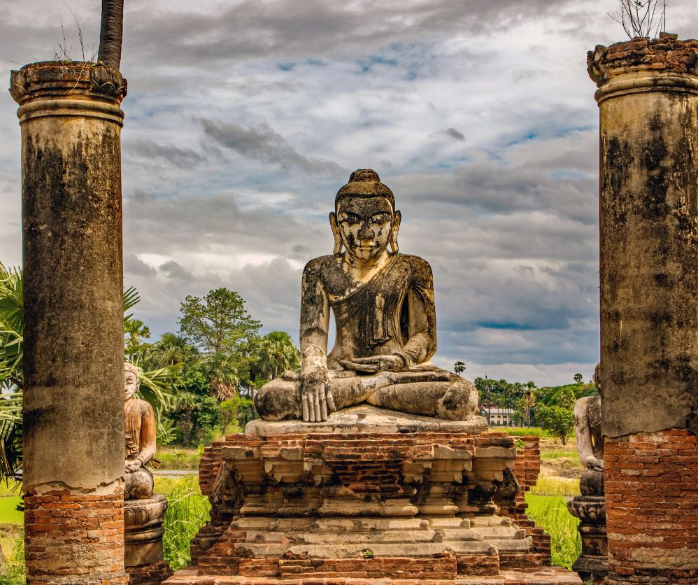buddah statue myanmar