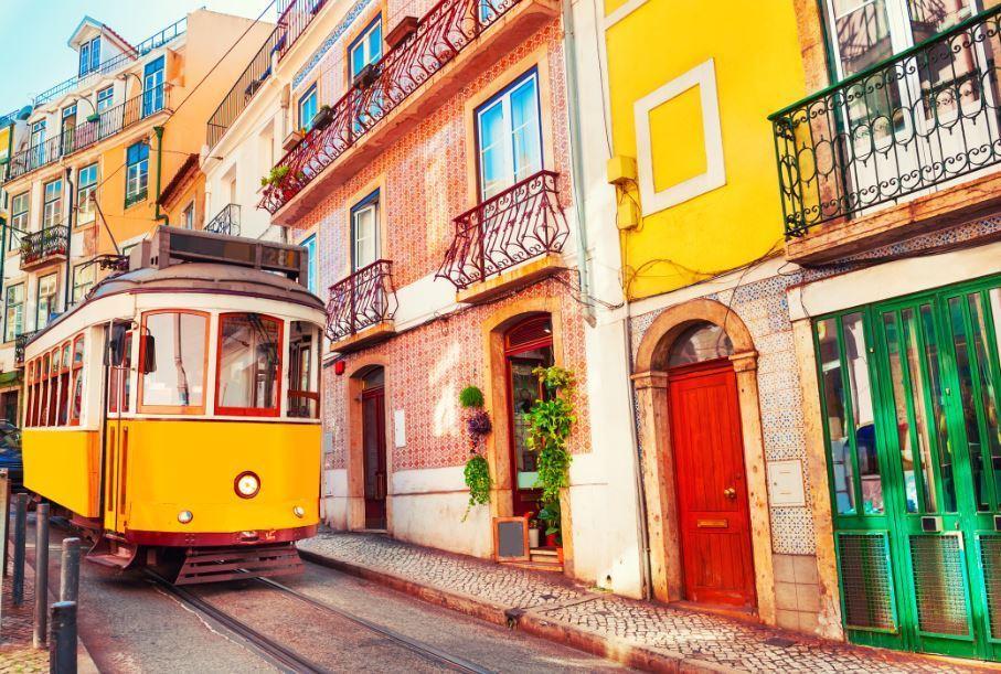 lisbon-portugal-tram