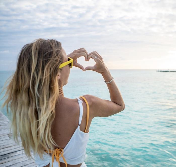 tourist-Cancun-beach