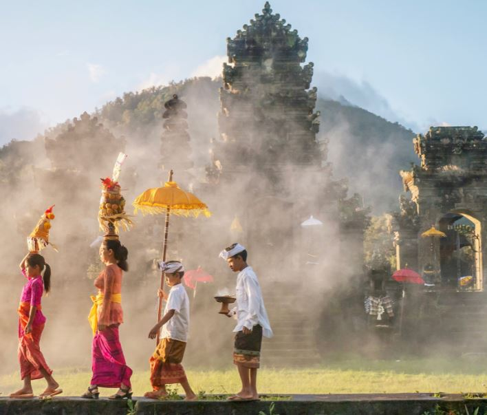 traditional bali ceremony temple