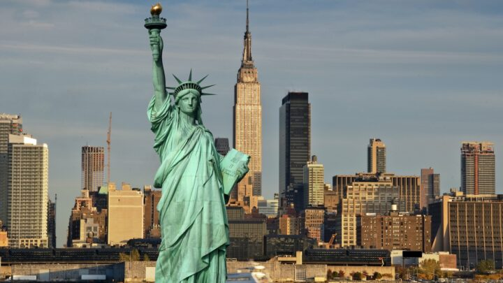 5 Famous U.S. Landmarks To See In 2021