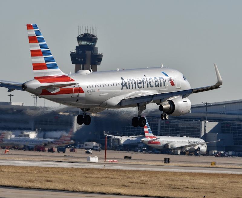 American Airlines landing DFW