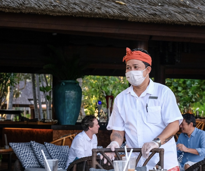 Bali restaurant server mask safety protocols