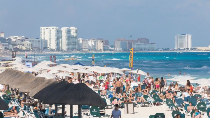 Cancun Officials Tighten Restrictions After 44 Argentine Students Test Positive