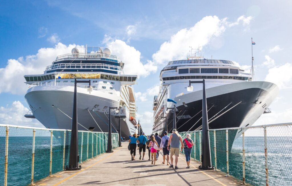 Cruise Lines That Require Passengers To Be Vaccinated