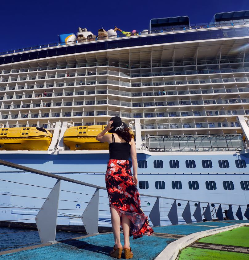 Cruise-Ship-Passenger