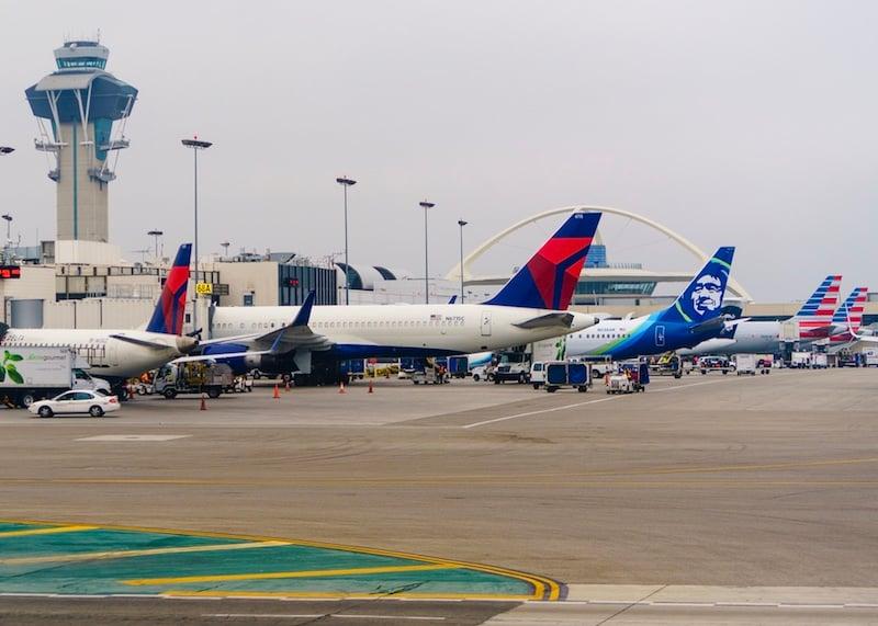 Delta, Alaska, American airplanes at LAX