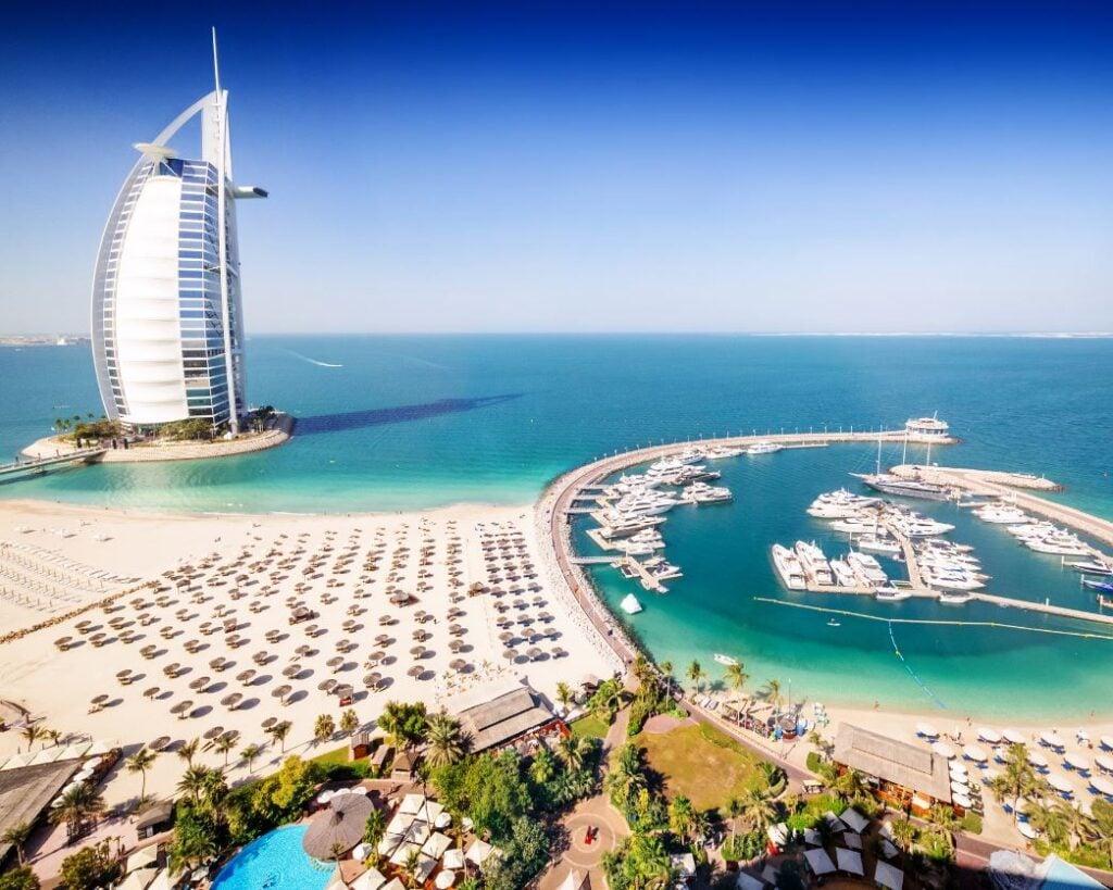Dubai-Hotel-and-beach