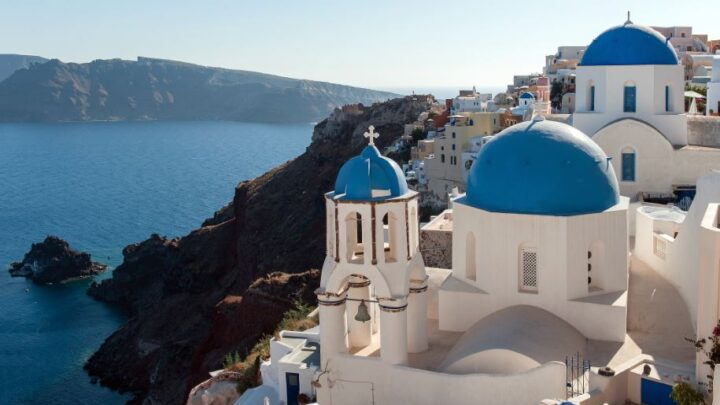 C:\Users\Advice\Desktop\Greece Aiming To Re-Open For Travelers From May.jpg