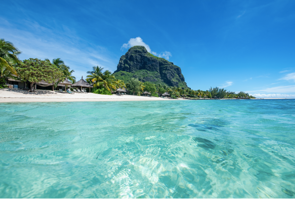 Mauritius Will Provide Covid-19 Vaccine To Long Stay Travelers