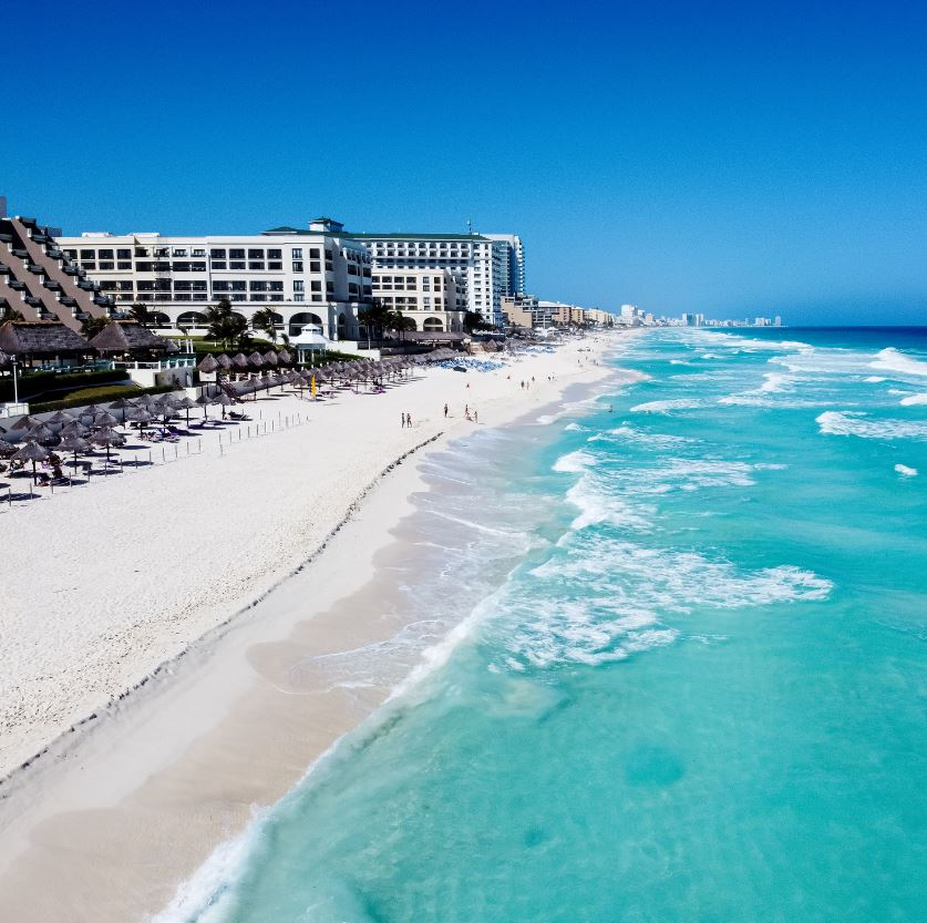 Resorts-in-Cancun-on-Beach