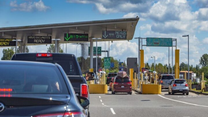 C:\Users\Advice\Desktop\US Extends Canadian and Mexican Land Border Restrictions Once More.jpg