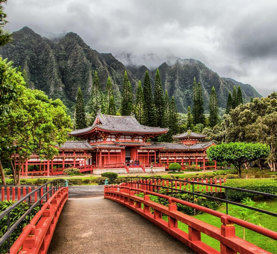 byodo-in temple in oahu hawaii