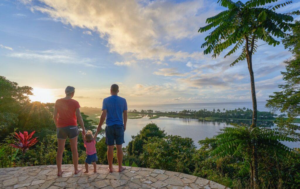 Seguro de viaje que cumpla con los requisitos de entrada a Costa Rica.
