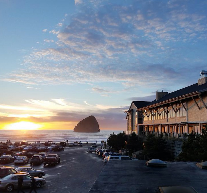 headlands lodge and spa oregon haystack rock sunset ocean
