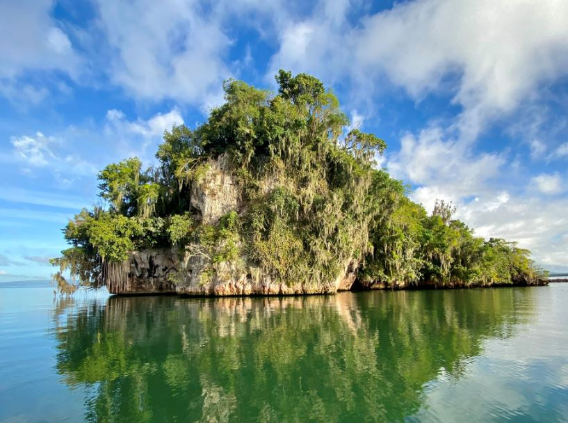 karst rock caribbean sea