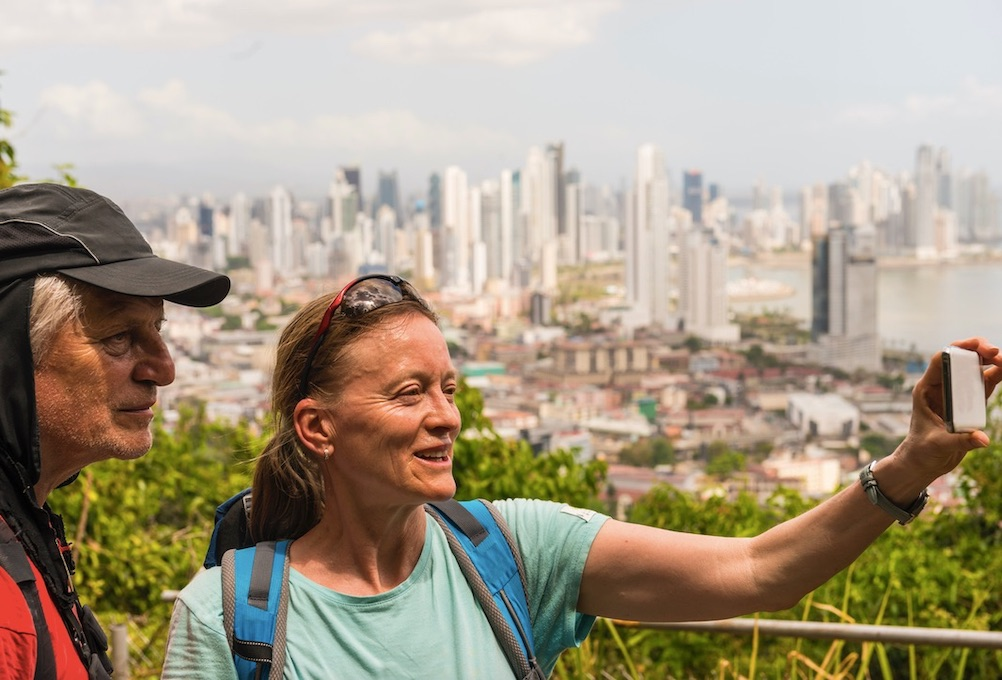 vaccinated tourists welcome in Panama 2021