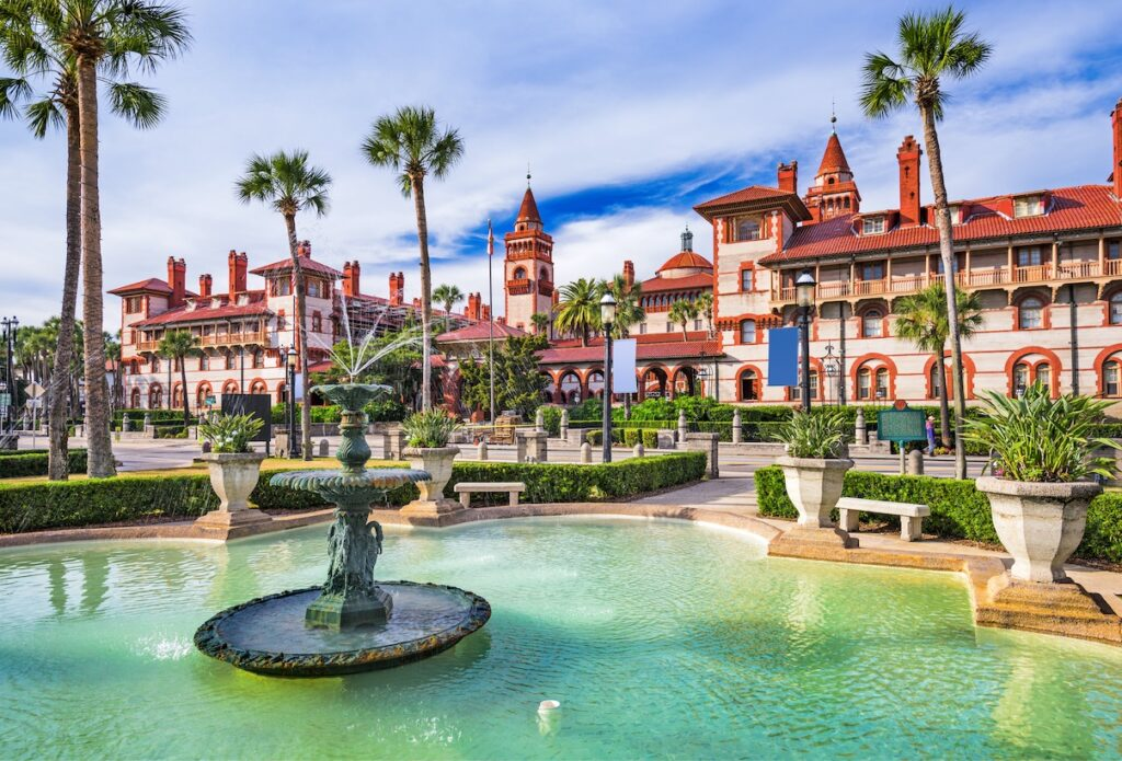 10 Beautiful U.S. Cities To Visit This Summer