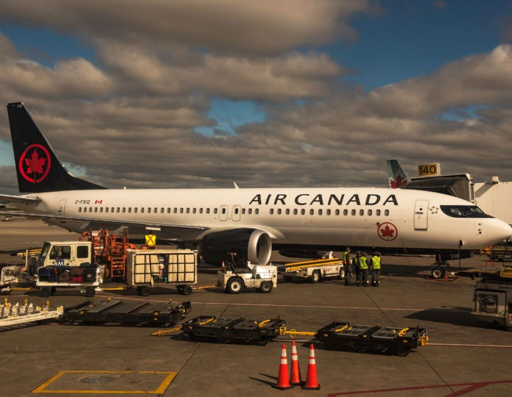 Air Canada plane arrives in Canada from Abroad