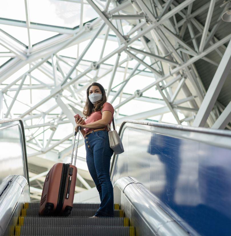 Tourist-mask-airport