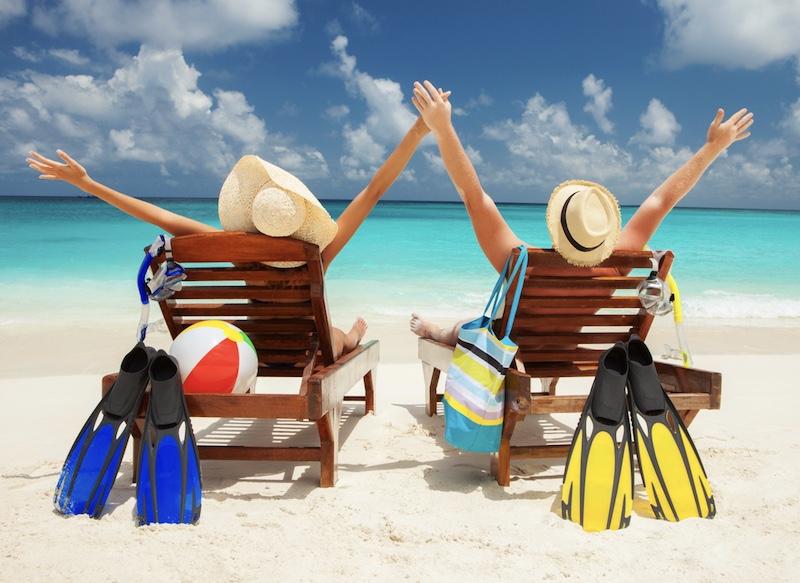 happy travelers beach