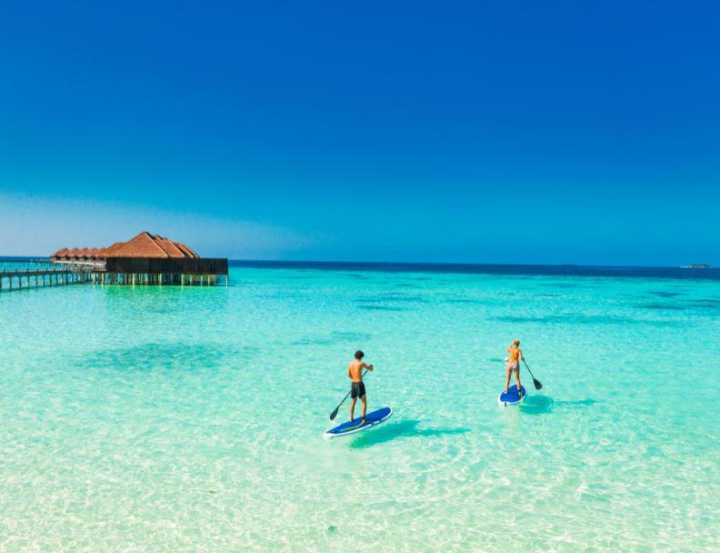 maldives stand up paddleboard