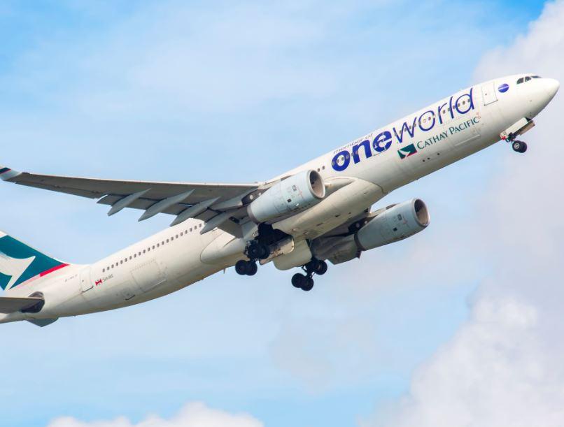 oneworld plane take off
