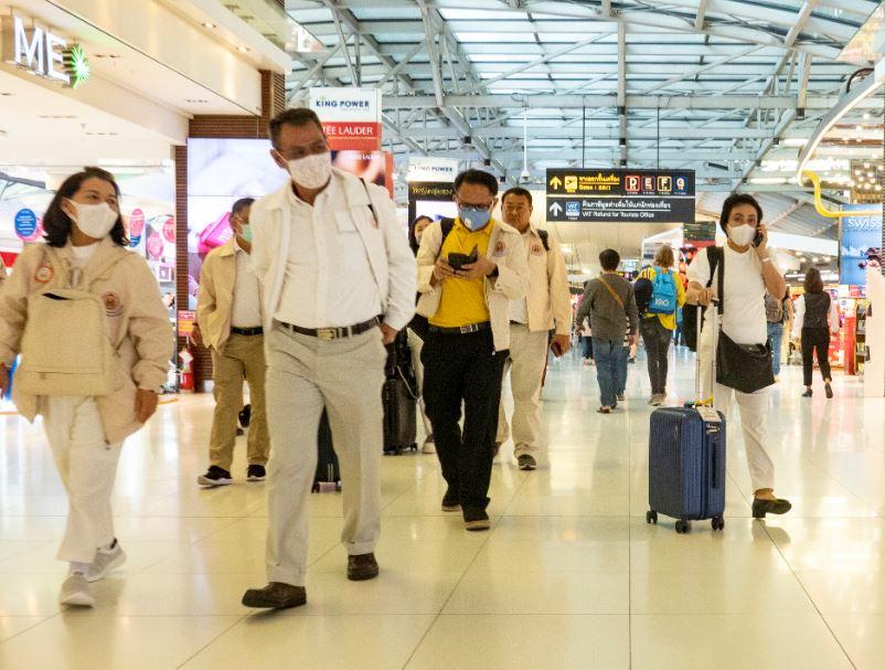 thailand suvarnabhumi airport travelers masks