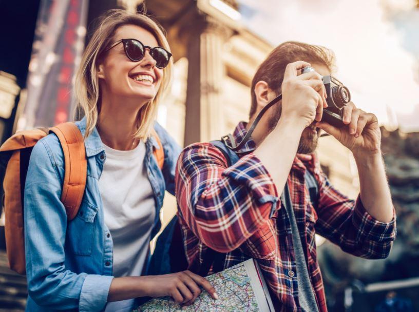 travelers camera happy
