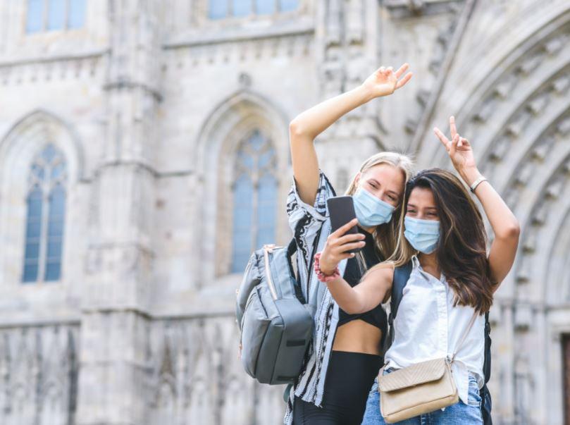 travelers masks barcelona