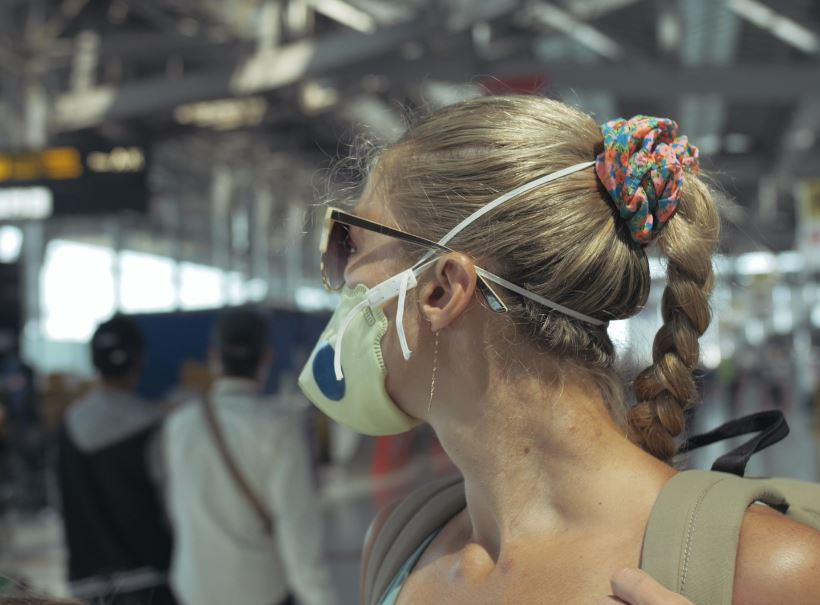 woman mask bangkok suvarnabhumi airport