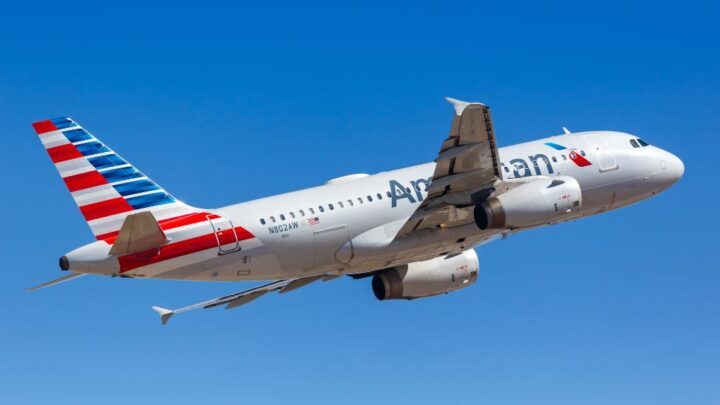 American Airlines and Southwest Extend Ban On Serving Alcohol On Flights