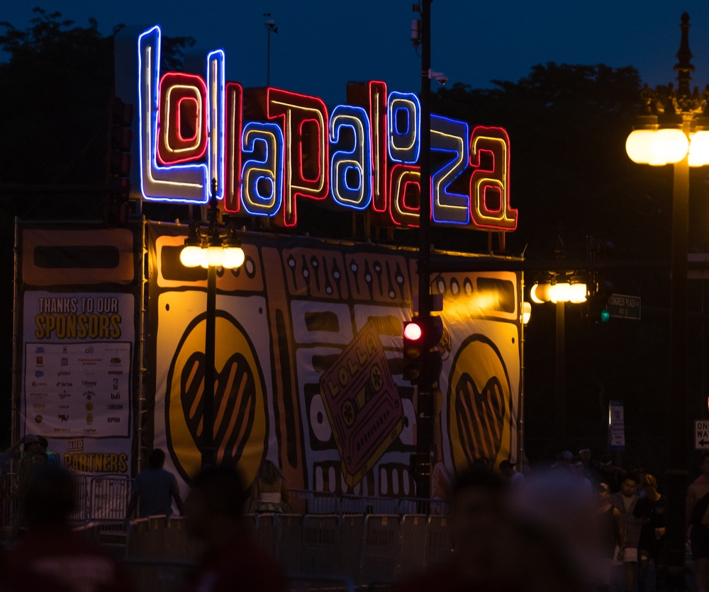 Lollapalooza sign.