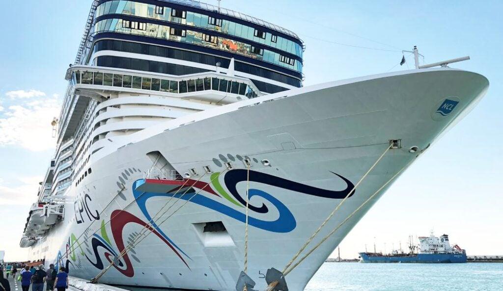 Norwegian Cruise Line May Leave Florida Over Vaccine Passport Ban