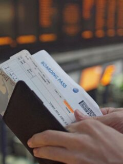Senators Ask Airlines To Change Terms Or Refund Flight Credits