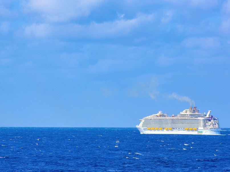 ship ocean royal caribbean