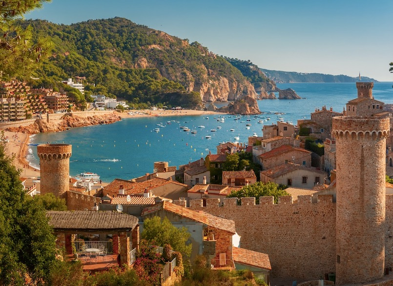 spain reopens for vaccinated tourists
