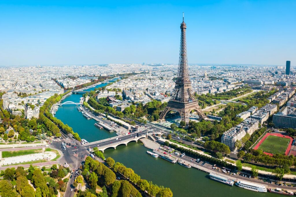 Delta and United Adding New Flights To France As It Reopens To American Travelers