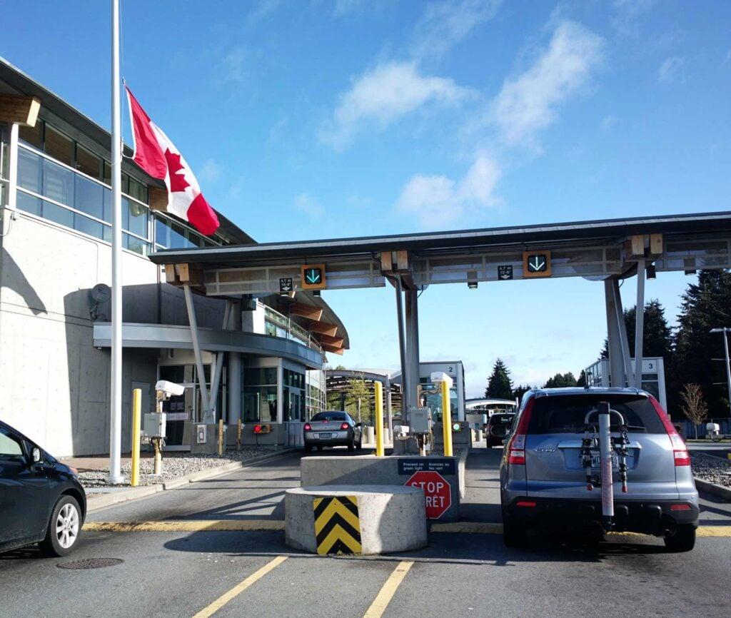 US Canada Road Border