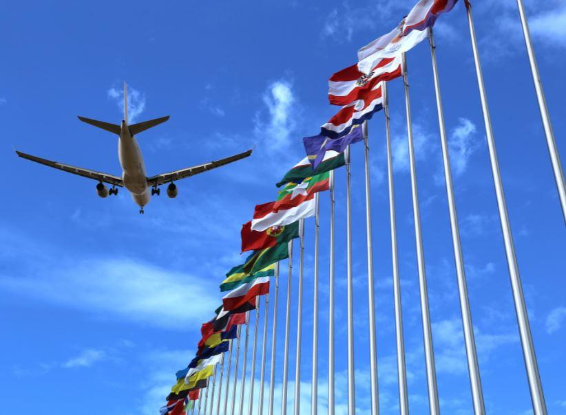 airplane flags