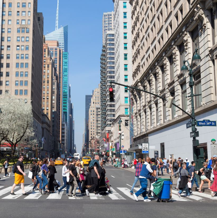 New York street pedestrians