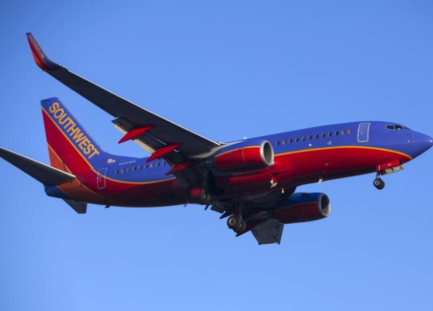 southwest flight airplane