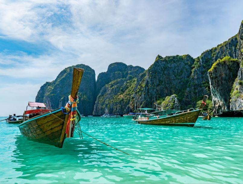 thailand longboats beach