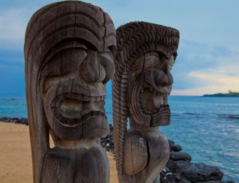 tiki sculptures hawaii