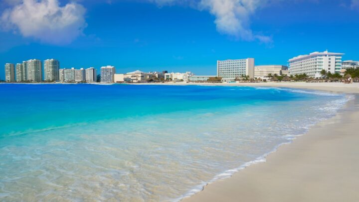 Cancun Hotels And Restaurants Now Require Proof Of Vaccination